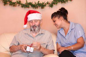 4 electrónicos y tecnología fácil de usar para regalar en navidad a personas mayores