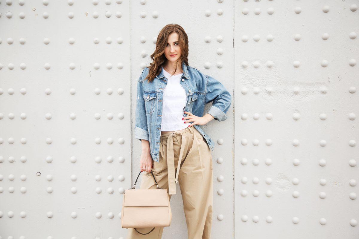 5 pantalones de cintura alta que harán lucir tus piernas más largas