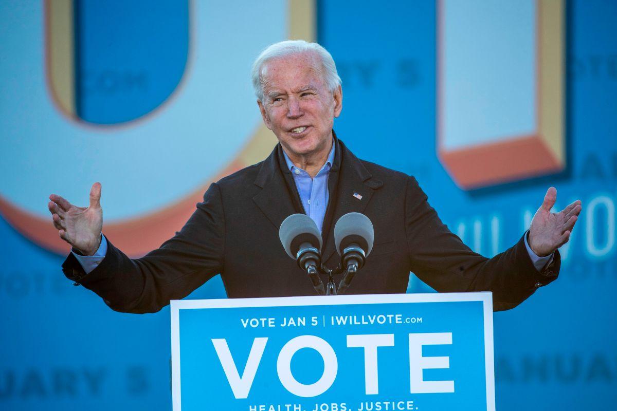 Biden promete cheques de estímulo de $2,000 si los demócratas ganan elecciones de Georgia al Senado