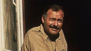 La rocambolesca historia de cuando Hemingway salió a cazar submarinos nazis en Cuba