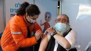 La estrategia del país con la tasa de vacunación contra la covid-19 más alta del mundo