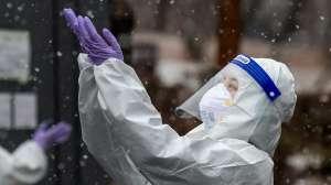 Por qué algunos países están luchando contra la pandemia con más éxito que otros