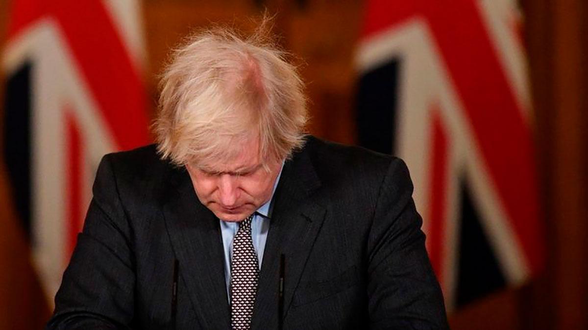 Coronavirus en Reino Unido: Boris Johnson asume la total responsabilidad por la respuesta de su gobierno a la COVID-19 cuando el país supera los 100,000 muertos
