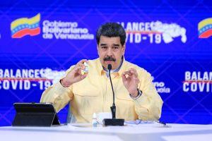 """Nicolás Maduro presenta gotas """"milagrosas"""" contra la COVID-19; dice que """"neutralizan"""" el virus al 100%"""