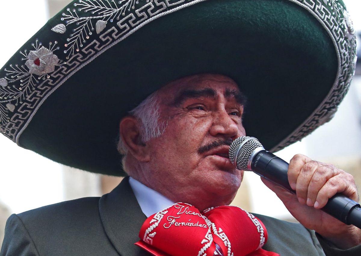 Entre infidelidades y fuertes declaraciones: Los escándalos en la carrera de Vicente Fernández