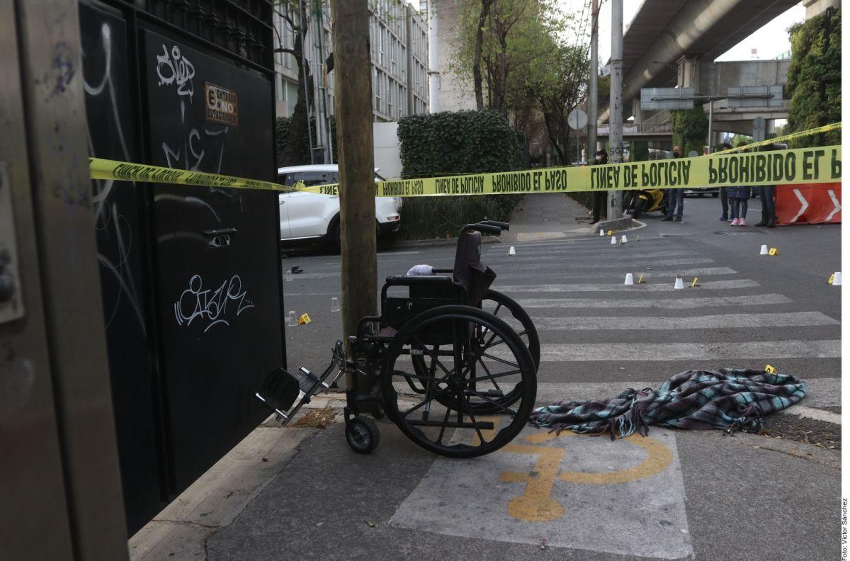 VIDEO: Con camioneta y troca, sicario en silla de ruedas mató a hombre con 19 balazos, así las hallaron