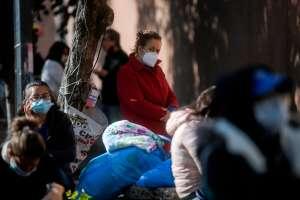 VIDEO: 5 desgarradores casos de gente que muere en casa debido al coronavirus