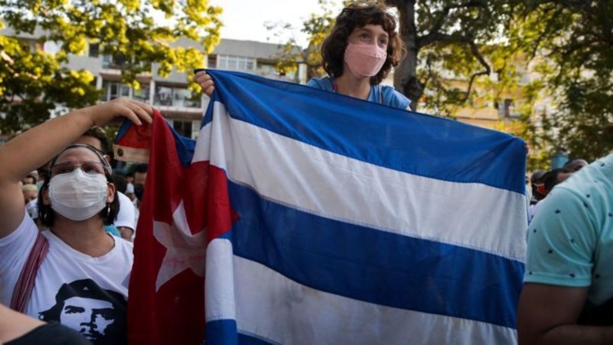"""Cuba emprende el """"Día Cero"""" del ordenamiento monetario y de profundas reformas económicas"""