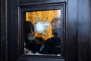 VIDEO: Momento exacto en que disparan a mujer que murió tras disturbios en Capitolio