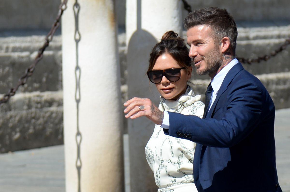 Grandes autoganancias: Los Beckham se pagaron a sí mismos $56,000 dólares diarios por un año
