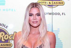 Khloé Kardashian posa en topless y da a conocer la nueva moda en jeans
