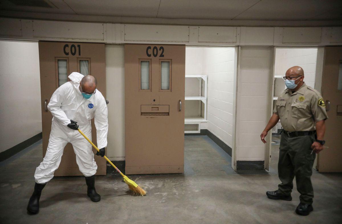 9 reclusos de San Diego habrían robado más de $165,000 dólares del Seguro de Desempleo de California