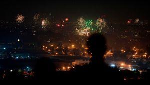 VIDEOS: El Año Nuevo se festejó en Los Ángeles con juegos pirotécnicos ilegales