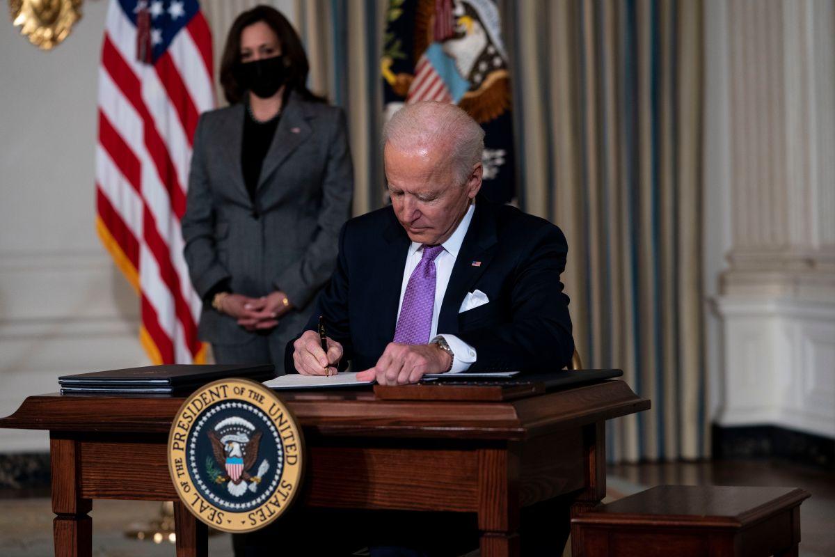 """¿Cómo ha sido la primera semana de Biden en la Casa Blanca y su intento de """"remodelar"""" EE.UU.?"""