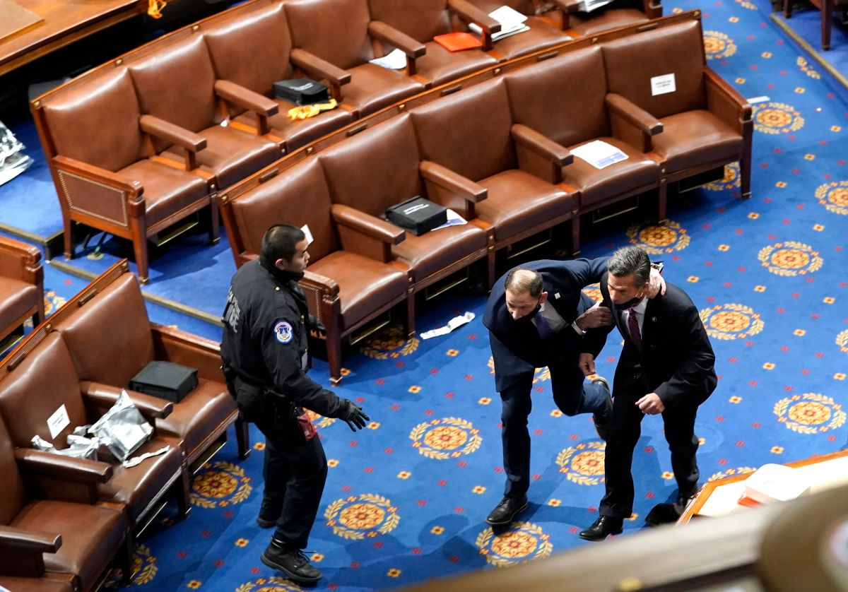 Congresistas pudieron ser expuestos a coronavirus durante el asalto al Capitolio