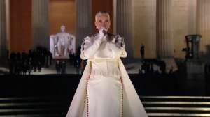 Los detalles del look blanco de Katy Perry del que nadie puede dejar de hablar