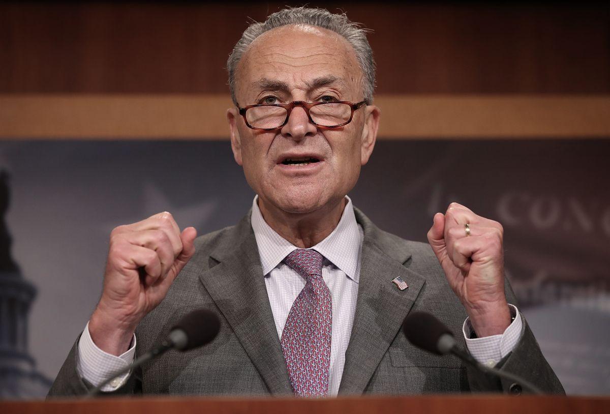 Demócratas se preparan para acelerar los cheques de $1,400 tras superar el bloqueo en el Senado