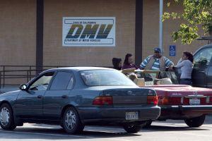 Cómo obtener la licencia de conducir AB 60 si es indocumentado pero reside en California