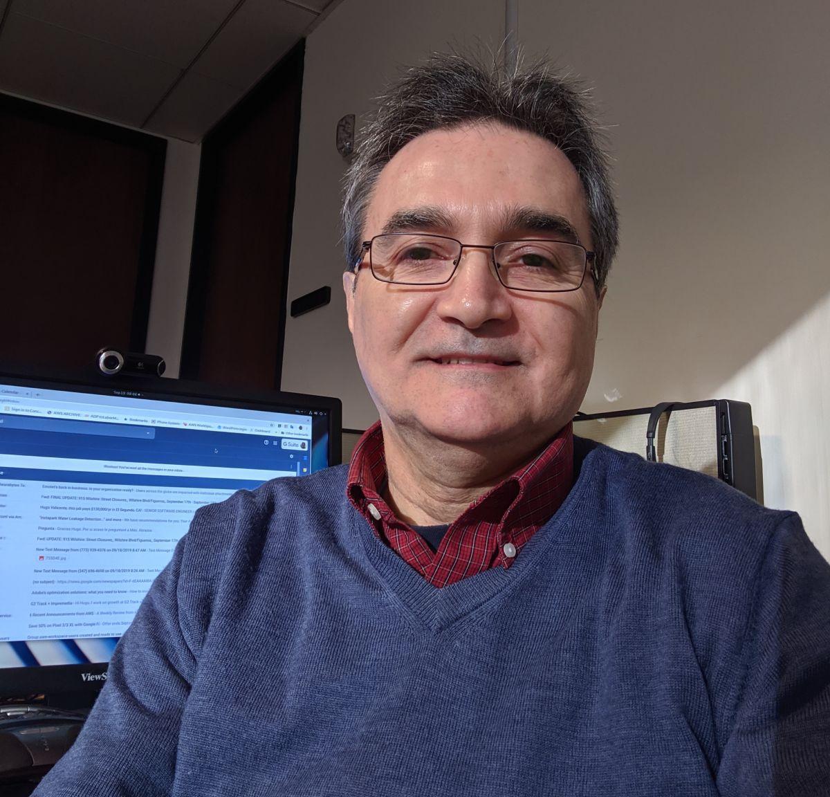Hugo Valicente deja La Opinión tras 34 años de dedicación y trabajo duro