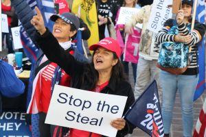 LAPD dispersa una pequeña protesta de trumpistas en Los Ángeles