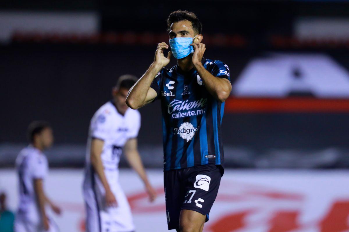 VIDEOS: Querétaro festejó sus goles con gel antibacterial y mascarillas