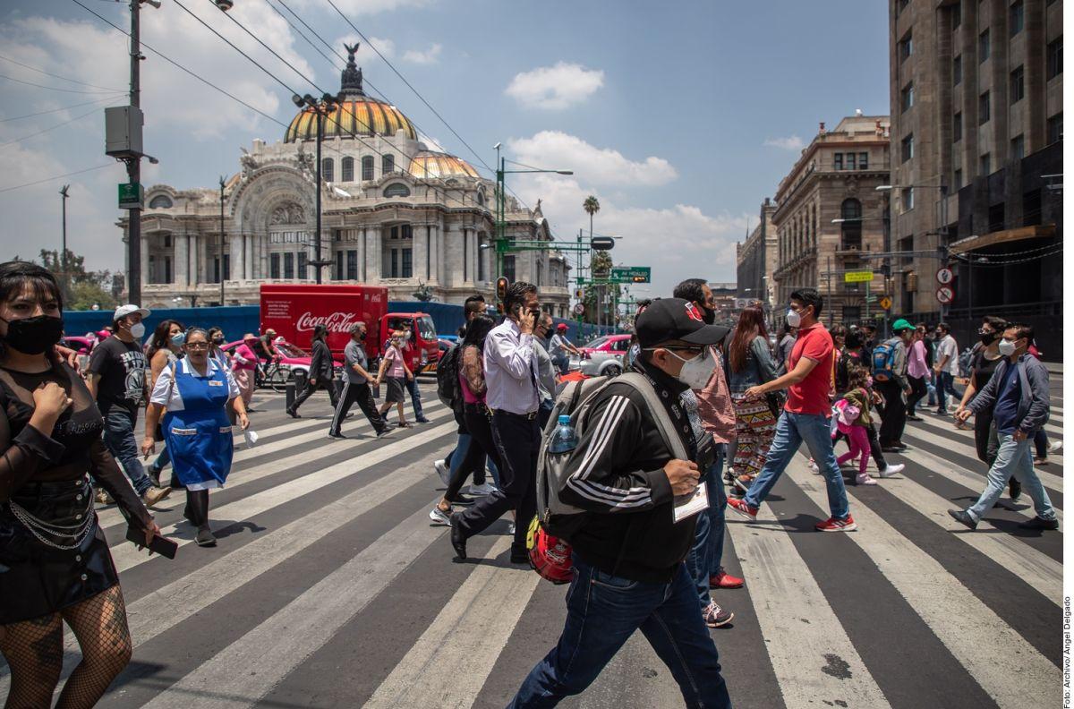 Mhoni Vidente predice que la tercera ola de contagios por COVID en México está cerca.