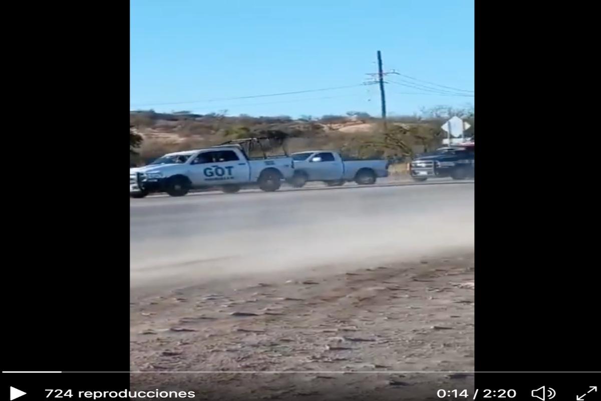VIDEO: Así agarraron a narcos, policías les ponchan llantas de troca y aún así intentaron escapar