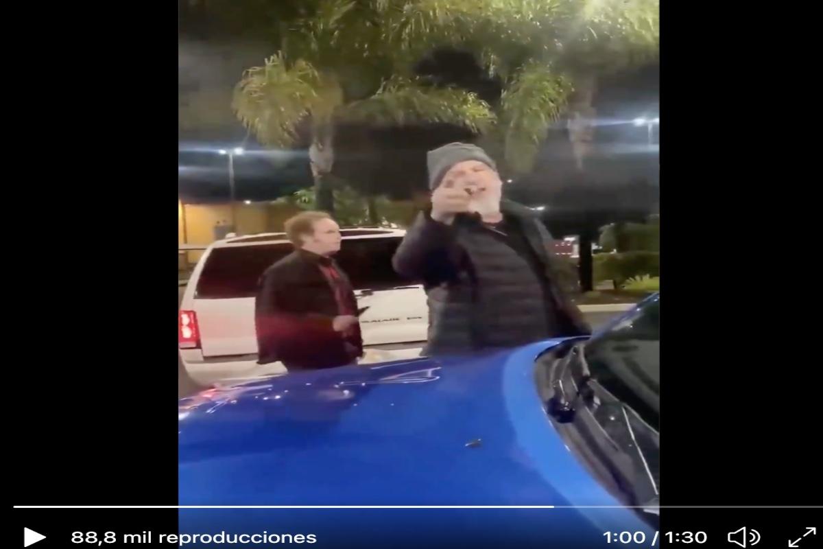 "VIDEO: Racistas llaman a hispano ""frijolero"" y le piden regresar a México en Escondido, California"