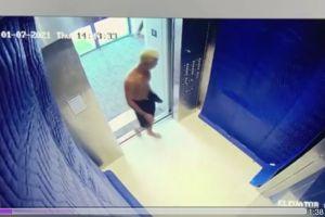 Una mujer, con los pechos al descubierto, discute con un hombre en el elevador: la policía busca más pistas