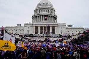 El exsecretario de Defensa y el exfiscal general de Trump defendieron su actuación frente al asalto al Capitolio