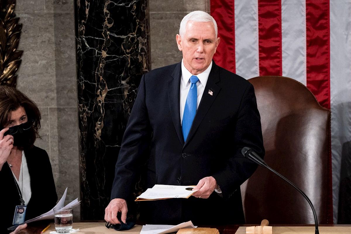 Donald Trump culpa a Mike Pence del caos en Washington mientras sus seguidores asaltan el Capitolio
