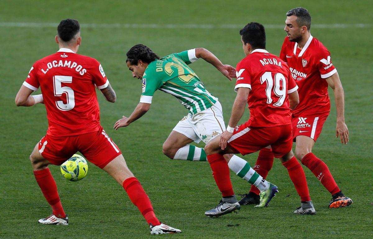 El delantero mexicano no se arrugó en un partido de importancia.