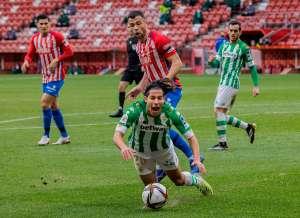 Cada vez mejor: Diego Lainez volvió a brillar en el triunfo del Betis
