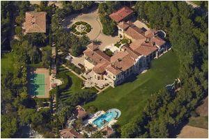¿Te sobran algunos dólares? Subastan Villa Firenze, la mansión más costosa de Beverly Hills