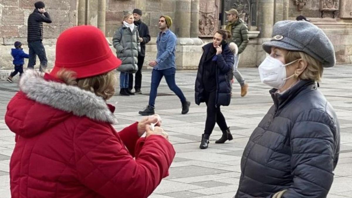 Mascarillas contra el coronavirus: por qué en Austria es obligatorio el uso del tapabocas FFP2