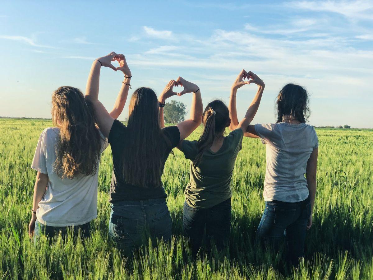 Cómo usar la astrología para identificar a las personas que podrían ser tus mejores amigos