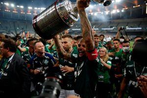 En el minuto 99, un cabezazo milagroso le dio a Palmeiras su segundo título de Copa Libertadores
