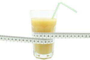 3 diuréticos naturales que favorecen el adelgazar y alivian la inflamación de manera rápida