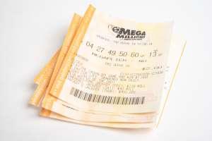 Suben a $850 y $730 millones premios de lotería de Mega Millions y de Powerball