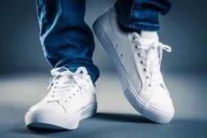 7 estilos de tenis, botas y zapatos más vendidos en Amazon para hombre con sobre 10 mil reviews