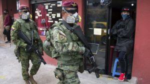 """Por qué solo hay 3 """"democracias plenas"""" en América Latina, según The Economist (y por qué empeoró la situación en 2020)"""