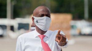 """Crisis en Haití: arrestan a más de 20 personas tras la denuncia del presidente Moïse de un intento de golpe de Estado y un """"complot para matarlo"""""""