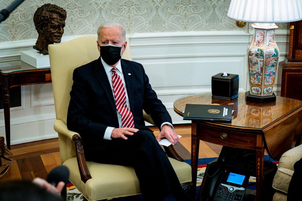 """Biden pide aprobar rápido su reforma migratoria para devolver la """"justicia y la humanidad"""" al sistema"""