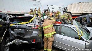Al menos 6 muertos y decenas heridos cuando más de 130 vehículos chocaron en Texas