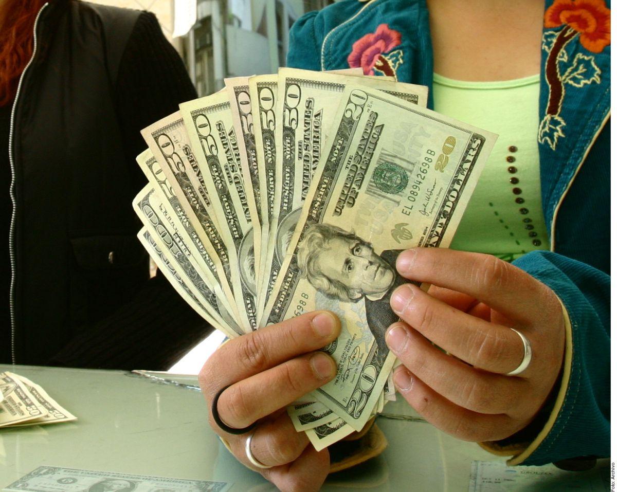Gobierno mexicano anuncia programa de bancarización en envío de remesas para apoyar a migrantes en EE.UU. y sus familias