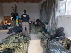 FOTOS: Doble golpe al Mencho y al CJNG, les decomisan destructivo arsenal y droga
