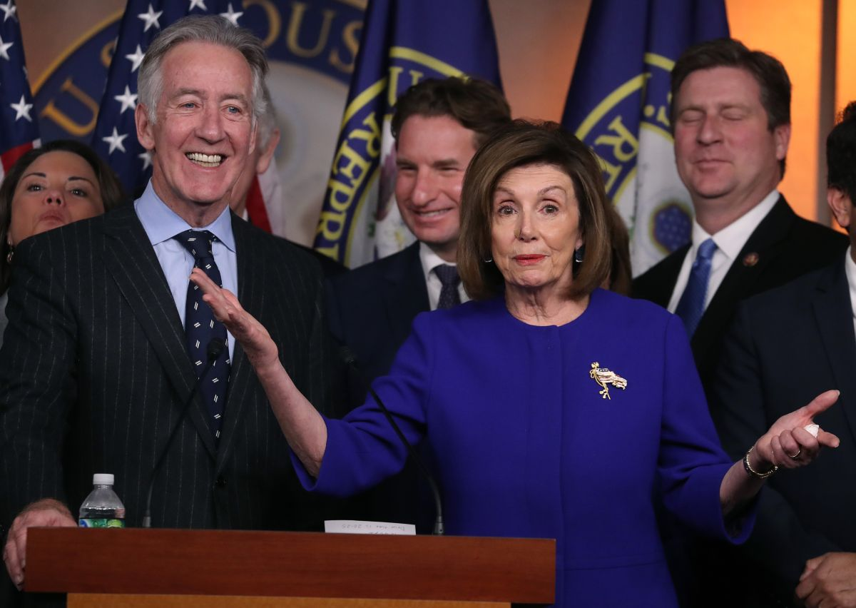 Representantes demócratas rechazan plan para recortar drásticamente cheques de estímulo de $1,400