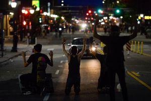 Hispana baleada en Denver mientras regresaba de cenar muere; su familia exige justicia