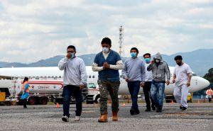 Arizona pidió en una corte frenar las políticas de Biden que redujeron las deportaciones