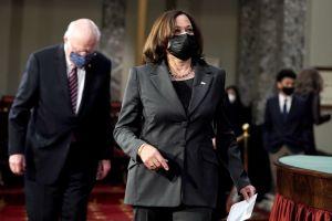 Kamala Harris dio el voto de desempate en el Senado para adelantar aprobación de paquete con cheques de estímulo de $1,400